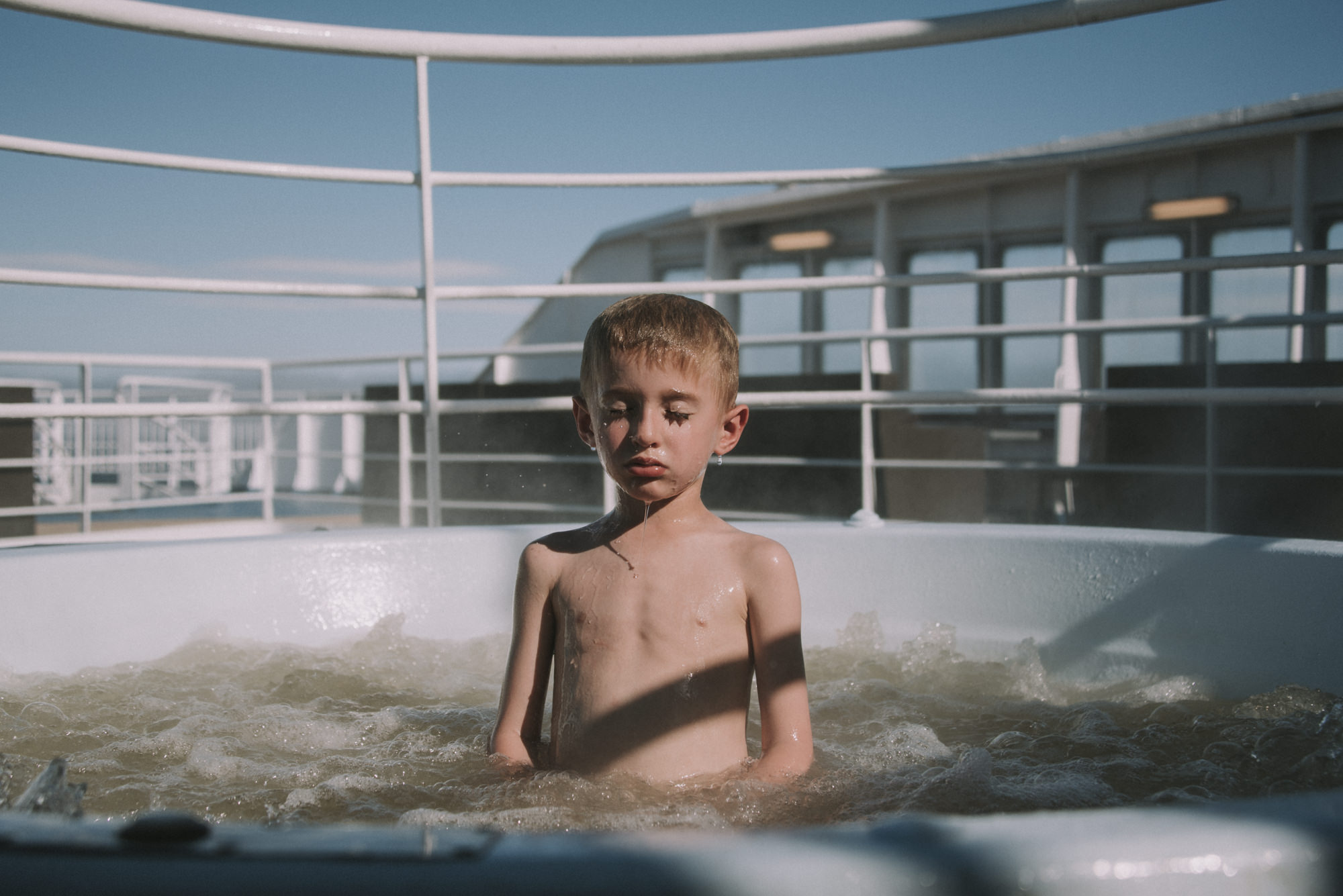 child in hot tub on cruise